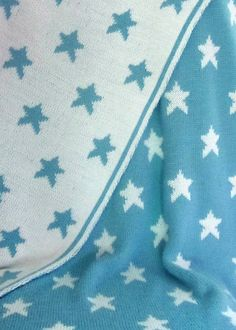 Free Knitting Pattern for Star Baby Blanket - Octave or Octavie is a eversible double-knit blanket with star motifs designed imawale imawale. Pictured project by MosterOlinia