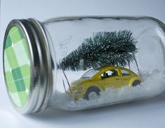 We invited Leanna Maksymiuk  to show us how how she made that adorable winter scene mason jar we all noticed in our post on Spruce's Ho...