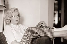 Marilyn looking classy casual