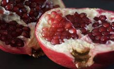 Pomegranate seeds, or arils, are a very good source of vitamin C and fiber, and contain healthy antioxidants too. A medium fruit has about 128 calories. Pomegranate Seeds, Diabetic Friendly, Fruit Salad, Low Carb Recipes, Health Benefits, Acai Bowl, Sugar Free, Raspberry, Vitamins