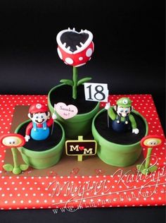 Super Mario cupcakes. Omg I would die if someone gave these to me.
