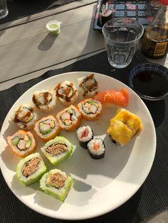 sushiii Sushi, Photo And Video, Ethnic Recipes, Instagram, Food, Meals, Yemek, Eten
