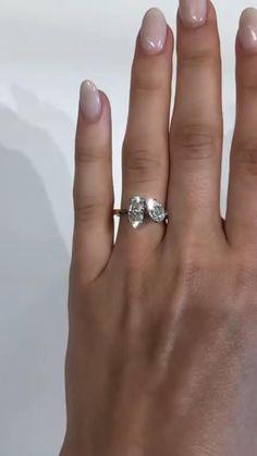 Dream Engagement Rings, Alternative Engagement Rings, Bling Wedding, Wedding Rings, Beautiful Diamond Rings, Dream Ring, Diamond Wedding Bands, Making Ideas, Fashion Rings