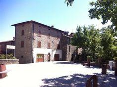 Исторические объекты в продаже в центре Гарфаньяны в Тоскане