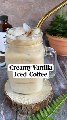 Coffee Drink Recipes, Starbucks Recipes, Coffee Drinks, Fun Baking Recipes, Sweet Recipes, Cooking Recipes, Smoothies, Smoothie Recipes, Frappe Recipe
