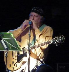 Peter Green  http://upload.wikimedia.org/wikipedia/commons/8/81/Peter-Green.jpg