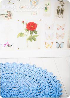 doily-like rug from t-shirt yarn