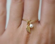 Charm ring, Gold filled ring, ANY SIZE Leaf ring, Dainty ring, Delicate ring, Pearl ring, Wire ring