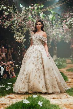 b53490d9535 Paolo Sebastian apresenta coleção inspirada nos clássicos da Disney. Disney  Wedding DressesDisney Inspired ...