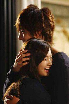 Playful Kiss ♥ Kim Hyun Joong as Baek Seung Jo Jung So Min as Oh Ha Ni ~~~ such a cute drama Playful Kiss, Jung So Min, Korean Drama Movies, Korean Actors, Korean Dramas, Korean Actresses, Live Action, Love In Tokyo, Kdrama