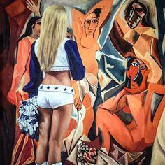O artista Marc Dennis cria pinturas hiper-realistas criativas que capturam a relação entre arte e o observador. Ele transforma o espectador em um personagem ativo de sua obra.