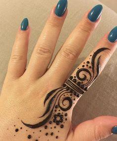 Latest Henna Designs, Henna Art Designs, Modern Mehndi Designs, Mehndi Designs For Beginners, Mehndi Design Photos, Henna Tattoo Designs Simple, Finger Henna Designs, Mehndi Designs For Fingers, Mehandi Designs Easy