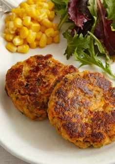 Tuna Cakes – Want to thrill your family and friends at the next block party? Include these Tuna Cakes in your potluck lineup. Simple, cheesy and held together with hearty STOVE TOP stuffing, these'll (Fast Tuna Recipes) Tuna Recipes, Seafood Recipes, Cooking Recipes, Healthy Recipes, Recipes Dinner, Fish Dishes, Seafood Dishes, Fish And Seafood, Tuna