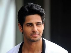 Sidharth Malhotra, who was a part of Dream Team Tour, recently spoke about his…