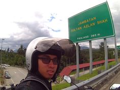 This is longest river-crossing bridge in the North-South Expressway - Jambatan Sultan Azlan Shah