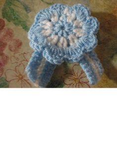 .ESCARAPELA ARGENTINA ...!!! simbolo patrio Crochet Crafts, Crochet Doilies, Crochet Flowers, Knit Crochet, Flower Patterns, Crochet Patterns, Knitting, Mini, Floral
