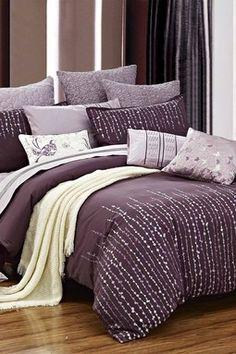 Grapevine duvet set - purple on paarse sprei, paarse kamers, dek Purple Comforter, Purple Bedding Sets, Purple Bedspread, Purple Bedroom Design, Purple Bedrooms, Sparkly Bedroom, Home Decor Bedroom, Bedroom Ideas, Master Bedroom