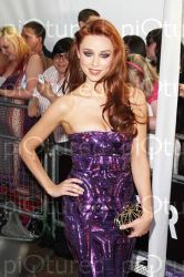 UNA HEALY WITH AN AFTERSHOCK LONDON CLUTCH BAG 17-09-2013