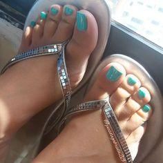 Otra de mis fotos favoritas 😍👣 •○● #inshot #feet #foot #footworship #footfetish #fetish #toes #toe #toering #toesucking #footslave #feetporn #lovefeet #polish #nice #piesdescalzos #dedos #pies #footmodel #soles #pés #pezhino #pezhinosdeprincesa #girls #cute #my ●○•