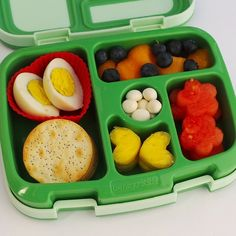 Bentgo is the ideal bento lunch box for kids going to school and adults going to work. With Bentgo, packing and transporting food is quick, and eco-friendly. Kids Packed Lunch, Kids Lunch For School, School Lunches, School Ideas, Bento Recipes, Lunch Box Recipes, Lunch Ideas, Bento Box Lunch, Bento Kids