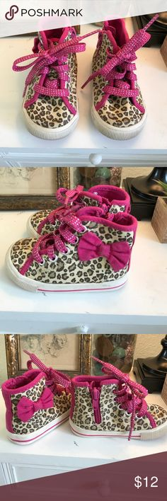 OshKosh Zip Up Leopard High Tops These high tops are perfect for your toddling princess. They are leopard print with pink trim and include laces and a side zip up for easy on and off. Excellent condition. Osh Kosh Shoes Sneakers