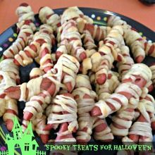 Frighteningly Easy Halloween Party Snack Ideas www.ct.mommypoppins.com