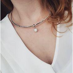 """@seebyfranzi zeigt ihre schlichte Halskette """"Rotondo Darlin's"""" die ihr ganz wunderbar steht. #halskette #rotondo #darlins #necklace #schmuck #jewels #jewelry #silber #chic #fashion #style #leonardoglasliebe"""
