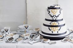 wedding cakes + porcelain. Love this concept