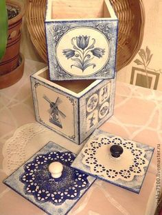 decoupage for table setting stands Wood Crafts, Fun Crafts, Diy And Crafts, Paper Crafts, Decoupage Vintage, Decoupage Box, Azulejos Diy, Diy Y Manualidades, Decoupage Furniture