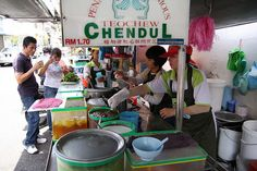 Chendul is one of my favorite treats when visiting Malaysia. They say that Penang's chendul stalls are the best.