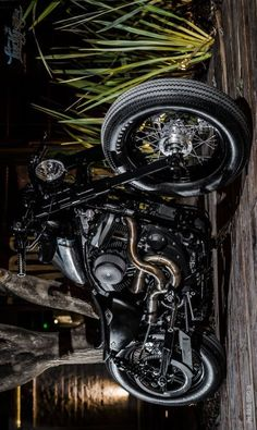Harley Sporty 883 Bobber 'Gala' by Lucky Custom