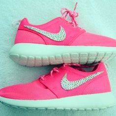 Hot pink Roshes ♡.♡ I want!