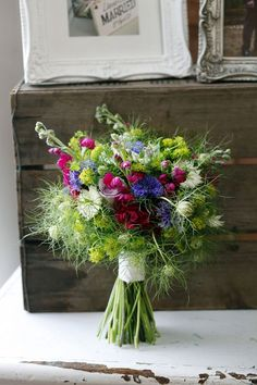 Love a hand-tied bouquet - we asked our local florists genius peeps at Kingfisher Farm Shop in the Surrey Hills to show us how easy it is to create and style one yourself. Check out the post here http://loblerdelaney.co.uk/how-to-tie-a-hand-tied-bouquet/                                                                                                                                                     More
