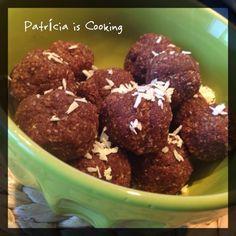 Patrícia is cooking.: Bolinhas saciantes de cacau e côco {vegan, cru, se...