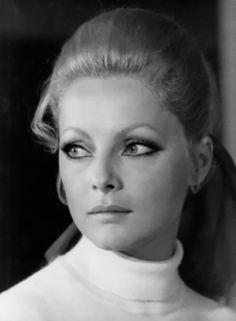 Virna Lisi (Jesi, Ancona, provincia de Marcas, Italia, 8 de noviembre de 1936 - Roma, 18 de diciembre de 2014)