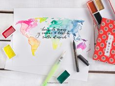 Crea tu mapa del mundo con acuarelas y caligrafía - Three Feelings