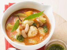 DIese SUppe wärmt von Innen: Italienische Gemüsesuppe mit Gnocchi - smarter - Zeit: 25 Min. | eatsmarter.de