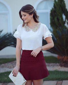 Sexta linda! ❤️ Look todo @lailak_ Blusa com golinha toda bordada + saia com renda!