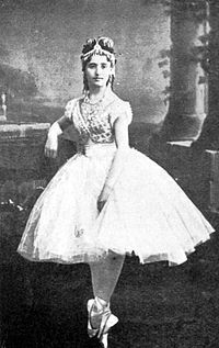 Coppelia -Swanilda -Giuseppina Bozzachi -Act I-Scene 2 -Paris -1870 -2.JPG