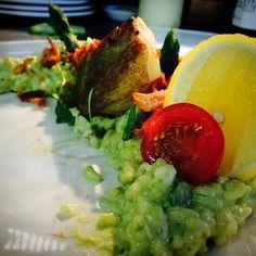 Today special asparagus risotto panccetta&scallop #chefinstagram #chefsofinstagram #cheflife #chefporn #wildchef #truecooksstreetteam #foodporn #foodgasm #instachef #foodlover #ouichef #thugchef #cook #touchmymeatandiwillfuckyouup #truecooks #foodstarz #artofplating #whatwedo #gastroart #food #goodlooksforgoodcooks #instafood #theartofplating #stackpaper #tacoreligion #paiddacosttobetheboss #rustik&sexy #chefstalk #londonchef #comeandsweatwithus by chefmoreyto