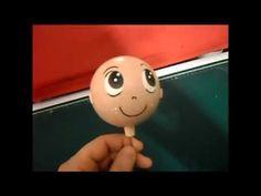En este video explicaré una nueva técnica para hacer una cabeza calva para un fofucho sin que se vea la junta. Os dejo el link para que os descargueis las fo...