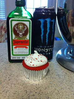 Jäger Bomb Cupcakes - 1.0 (jäger cupcake/ red bull icing)