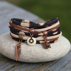 Bracelet 2 tours cordon tissu panthere _ born to be wild _ bleu beige cuivre_ breloque tete de mort aile et sequin