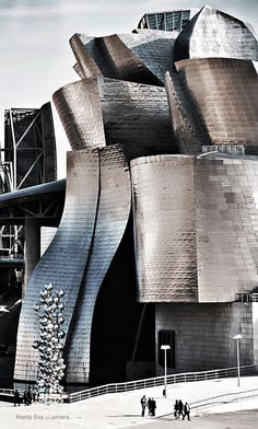 Guggenheim Museum Bilbao. Spain  A grey scale pic, hints of P+S. Great movement!