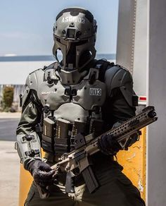 Someone's very cool Galac-Tac armour (I think it's an air-soft product: https://galac-tac.com/). Found this pic on the Planetfall Sci-Fi LARP FB page. Body Armor, Suit Of Armor, Combat Suit, Combat Armor, Combat Gear, Military Gear, Military Equipment, Armors, Fashion 2016