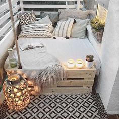 Via @home.of.a.citymom ✨ #inspiration #balcony #interiordesign #interiorstyle #interiordecor #interior #homedecor #homedesign #homedecoration #home #decoration #decor #instahome #balkon #scandinavianinterior #scandinaviandesign #scandinavianhome #scandinavianstyle #balconylife #exteriordesign