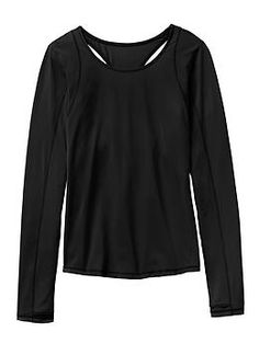 Rally Up Crew - Our sleek run top in lightweight jersey with a cutout back design for ventilation.