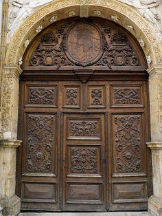Porte (1725) de l'ancienne chapelle des Annonciades, Pontarlier (Doubs, France) by Denis Trente-Huittessan, via Flickr