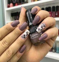cool green nail art designs ideas that will inspire you 51 Purple Nails, Green Nails, Perfect Nails, Gorgeous Nails, Stylish Nails, Trendy Nails, Nail Art Designs Videos, Nail Designs, Ongles Beiges