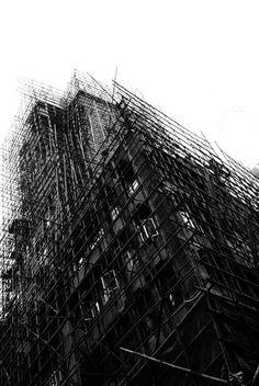 Photography | Jacob Cartwright bamboo scaffolding, ventral, Hong Kong Green Architecture, Architecture Design, Kong Kong, Line Photography, Invisible Cities, High School Art, Scaffolding, Deconstruction, Under Construction